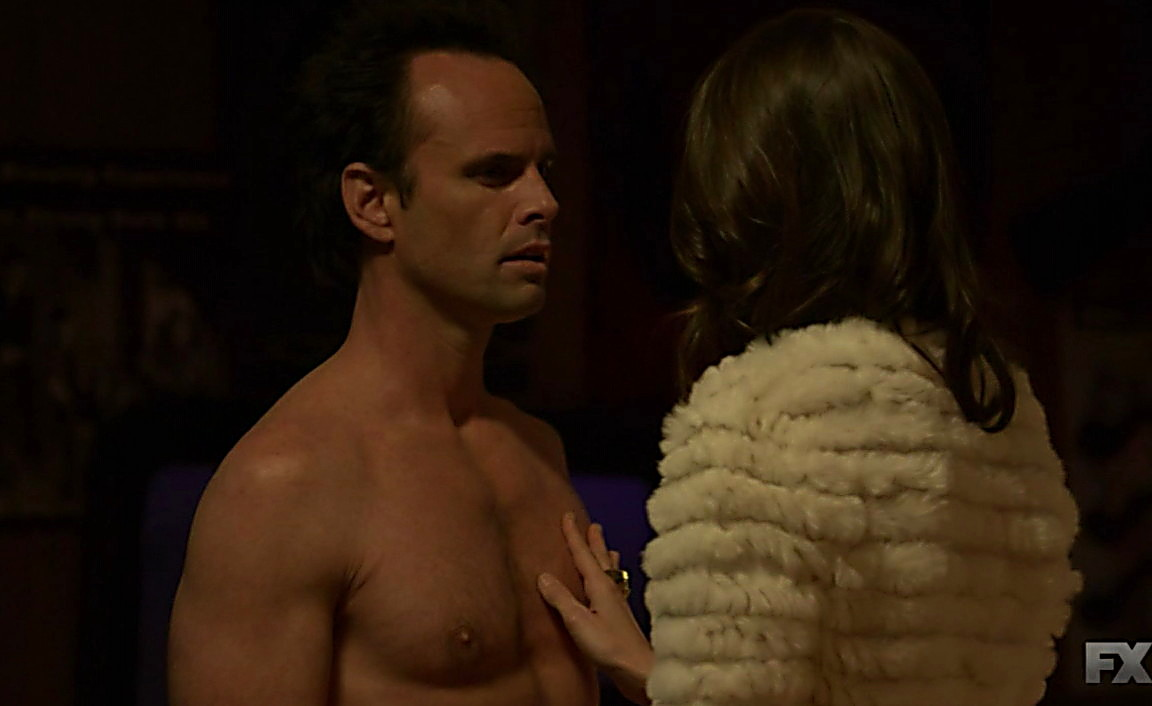 Timothy Olyphant sexy shirtless scene January 26, 2014, 4pm