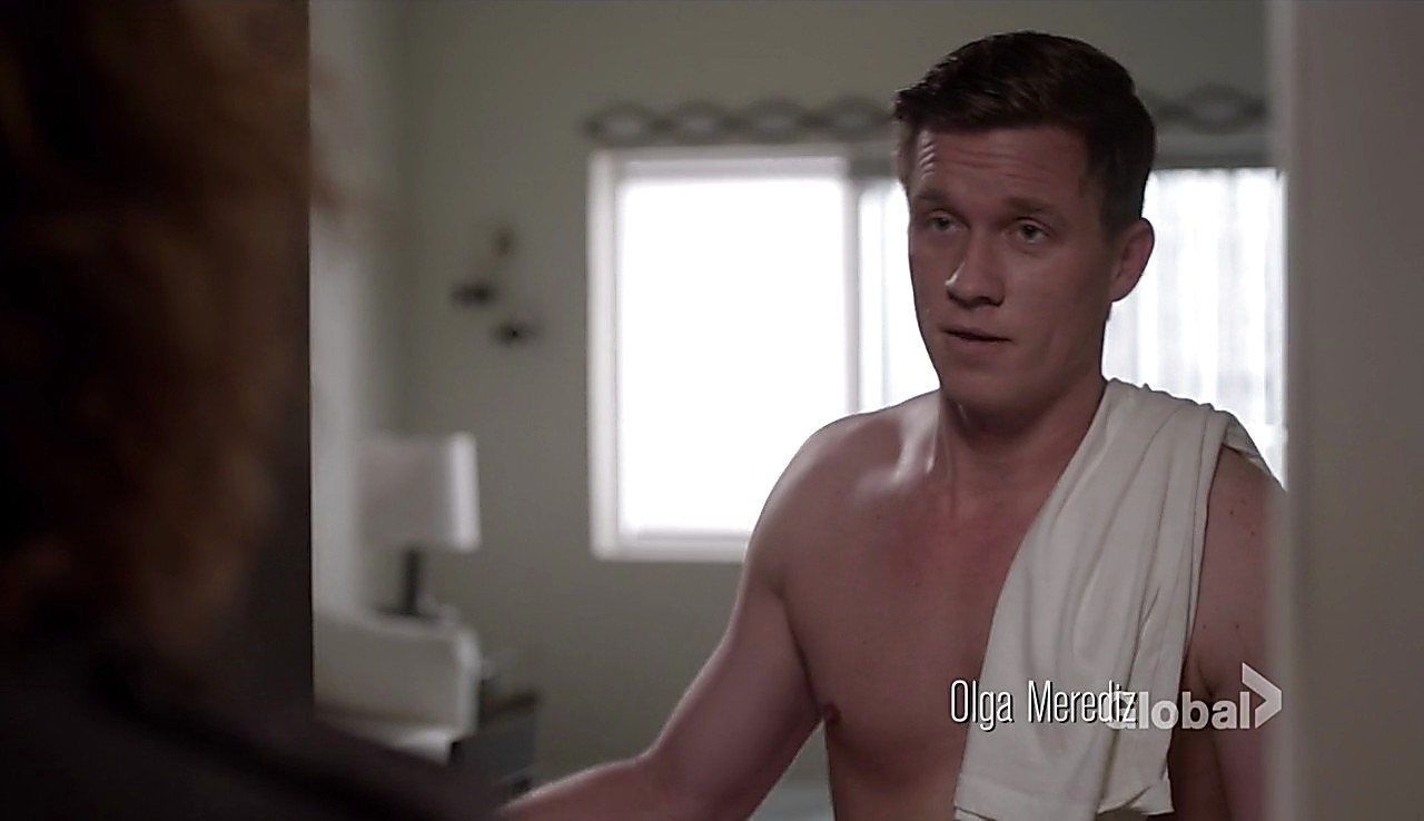 Warren Kole sexy shirtless scene March 6, 2017, 12pm