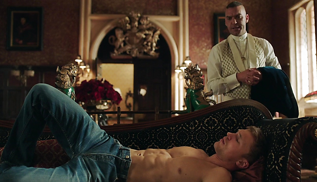 William Moseley latest sexy shirtless scene March 11, 2018, 2pm