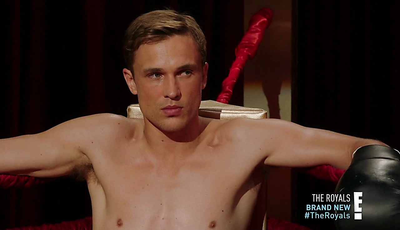 William Moseley sexy shirtless scene January 23, 2017, 12pm
