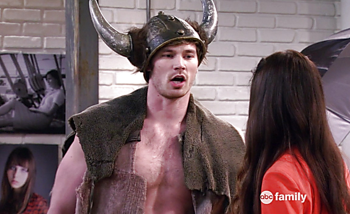 Derek Theler sexy shirtless scene May 15, 2014, 7pm