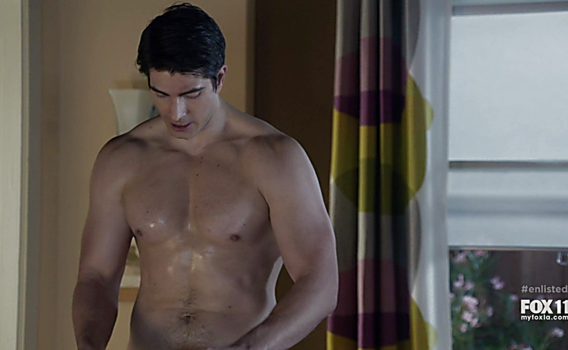 Geoff Stults sexy shirtless scene June 22, 2014, 10pm
