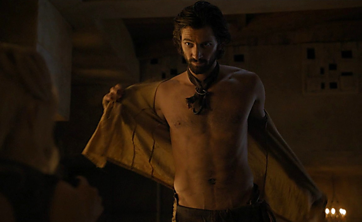 Iwan Rheon sexy shirtless scene May 18, 2014, 11pm