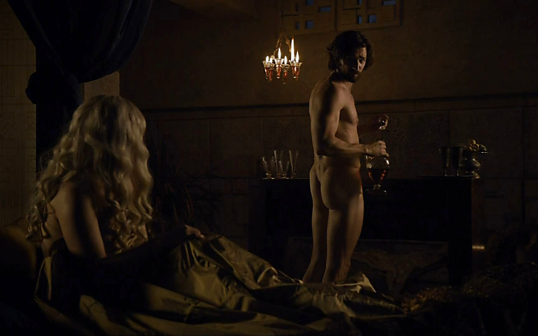 Iwan Rheon sexy shirtless scene July 12, 2015, 6pm
