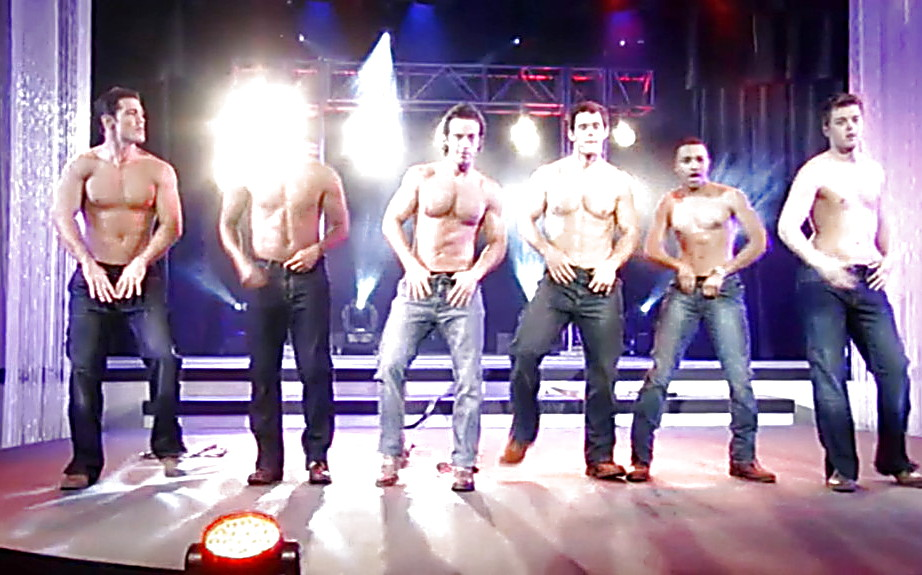 Ryan Carnes sexy shirtless scene May 18, 2014, 4pm