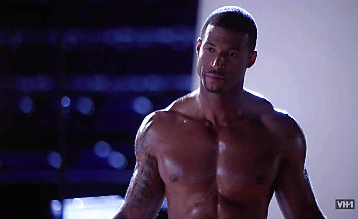 Adam Senn sexy shirtless scene August 3, 2014, 1am