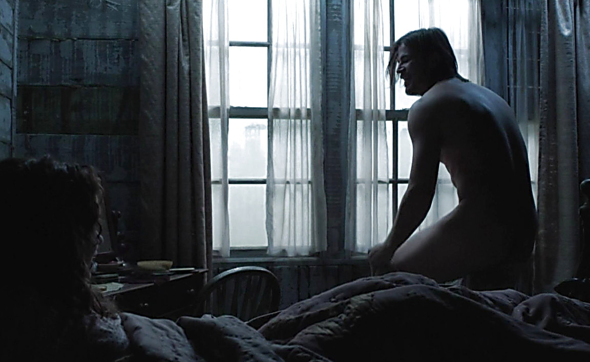 Josh Hartnett sexy shirtless scene June 2, 2014, 2am