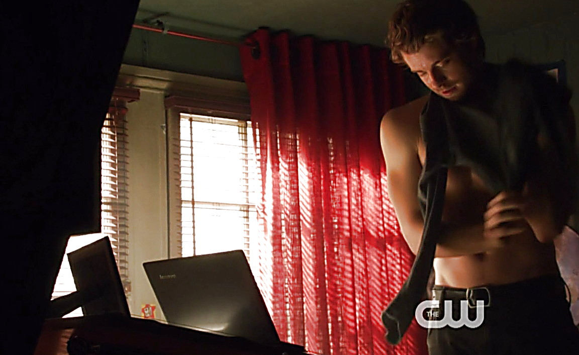 Luke Mitchell sexy shirtless scene March 9, 2014, 6pm