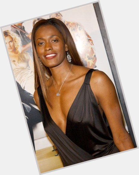 swin cash married 6.jpg