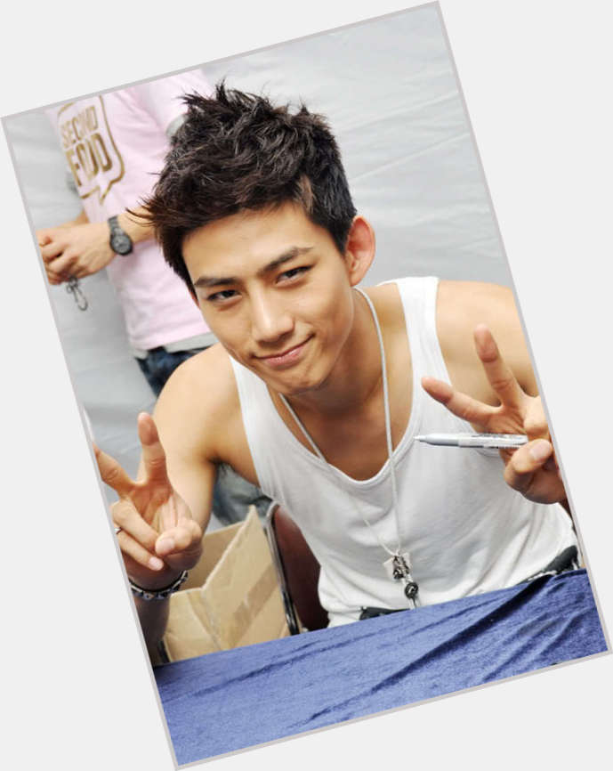 taecyeon new hairstyles 1.jpg