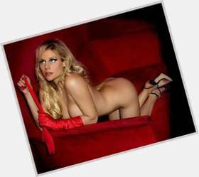 Abi Titmuss blonde hair & hairstyles Voluptuous body,