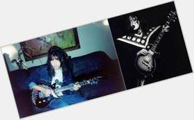 "<a href=""/hot-men/ace-frehley/is-he-broke-married-racist-still-alive-asian"">Ace Frehley</a> Average body,  dark brown hair & hairstyles"