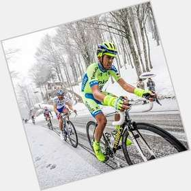 "<a href=""/hot-men/alberto-contador/is-he-tour-de-france-retired-year-married"">Alberto Contador</a> Athletic body,  black hair & hairstyles"