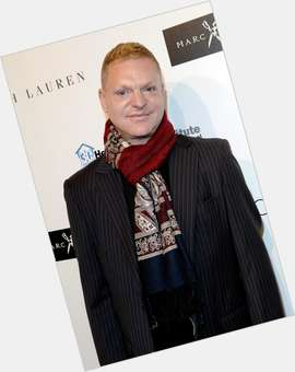 "<a href=""/hot-men/andy-bell-singer/news-photos"">Andy Bell Singer</a> Average body,  blonde hair & hairstyles"