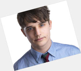 "<a href=""/hot-men/andy-mientus/news-photos"">Andy Mientus</a> Athletic body,  dark brown hair & hairstyles"