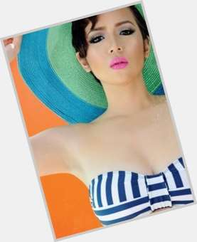 Angeline Quinto dark brown hair & hairstyles Voluptuous body,