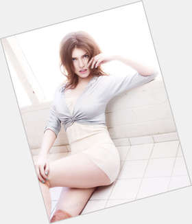 "<a href=""/hot-women/anna-kendrick/is-she-married-pitch-perfect-2-hot-singer"">Anna Kendrick</a> Slim body,  light brown hair & hairstyles"