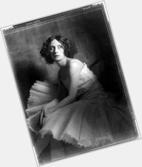 Anna Pavlova dark brown hair & hairstyles Athletic body,