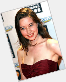 Anna Popplewell dark brown hair & hairstyles Voluptuous body,
