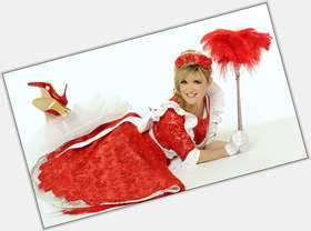 Anthea Turner dyed blonde hair & hairstyles Athletic body,