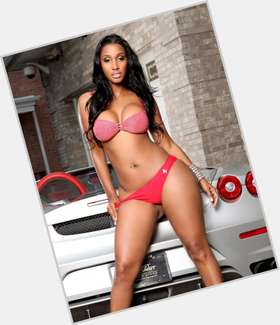 "<a href=""/hot-women/bernice-burgos/where-dating-news-photos"">Bernice Burgos</a> Voluptuous body,  black hair & hairstyles"