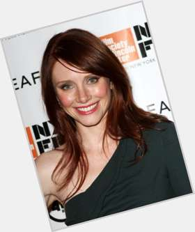 Bryce Dallas Howard red hair & hairstyles Voluptuous body,