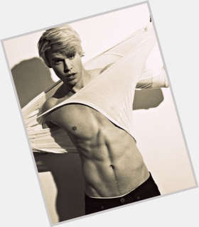 "<a href=""/hot-men/chord-overstreet/is-he-dating-emma-roberts-single-still-glee"">Chord Overstreet</a> Athletic body,  blonde hair & hairstyles"