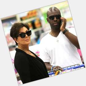 "<a href=""/hot-men/corey-gamble/is-he-married-related-kenny-rich-single"">Corey Gamble</a> Average body,  bald hair & hairstyles"