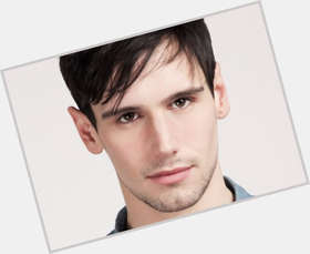 "<a href=""/hot-men/cory-michael-smith/where-dating-news-photos"">Cory Michael Smith</a> Slim body,  dark brown hair & hairstyles"
