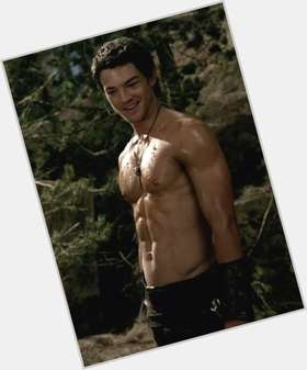Craig Horner dark brown hair & hairstyles Athletic body,