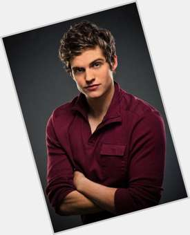 Daniel Sharman dark brown hair & hairstyles Athletic body,