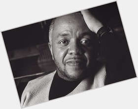 "<a href=""/hot-men/daryl-coley/is-he-dead-still-alive-coleys-wife-god"">Daryl Coley</a> Average body,  dark brown hair & hairstyles"