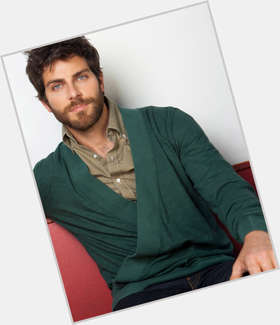 David Giuntoli dark brown hair & hairstyles Athletic body,