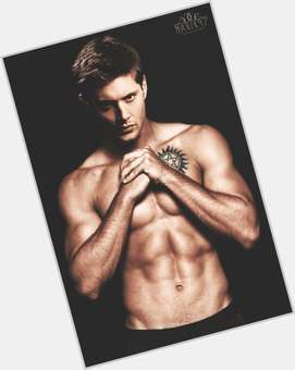 "<a href=""/hot-men/dean-winchester/is-he-knight-hell-blonde-married-ben39s-father"">Dean Winchester</a> Athletic body,  light brown hair & hairstyles"
