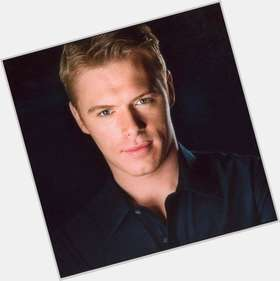 Diego Klattenhoff dark brown hair & hairstyles Athletic body,