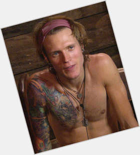 "<a href=""/hot-men/dougie-poynter/is-he-single-still-dating-lara-bi-married"">Dougie Poynter</a> Average body,  blonde hair & hairstyles"