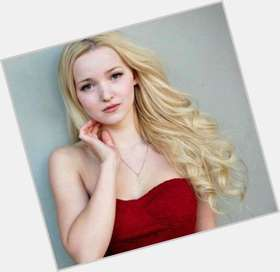 "<a href=""/hot-women/dove-cameron/where-dating-news-photos"">Dove Cameron</a> Slim body,  blonde hair & hairstyles"
