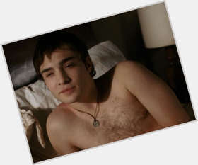 "<a href=""/hot-men/ed-westwick/is-he-married-single-nice-dating-leighton-meester"">Ed Westwick</a> Average body,  dark brown hair & hairstyles"