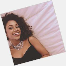 "<a href=""/hot-women/liza-koshy/is-she-indian-mexican-double-dare-rich-related"">Liza Koshy</a> Slim body,  black hair & hairstyles"