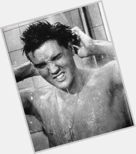 "<a href=""/hot-men/elvis-presley/is-he-alive-really-racist-twin-hell-veteran"">Elvis Presley</a> Average body,  dyed black hair & hairstyles"