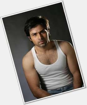 "<a href=""/hot-men/emraan-hashmi/is-he-hindu-singer-hafiz-e-quran-shia-married-good"">Emraan Hashmi</a> Bodybuilder body,  black hair & hairstyles"