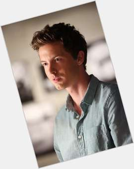 "<a href=""/hot-men/erik-stocklin/is-he-related-andrew-mccarthy-married-father-tall"">Erik Stocklin</a> Athletic body,  dark brown hair & hairstyles"