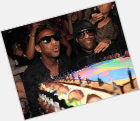 "<a href=""/hot-men/fabolous/is-he-married-emily-crip-signed-mmg-fabulous"">Fabolous</a> Slim body,  black hair & hairstyles"