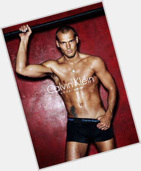 Fredrik Ljungberg light brown hair & hairstyles Athletic body,