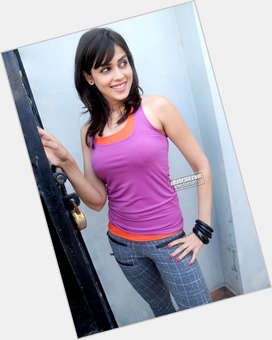 "<a href=""/hot-women/genelia-d-souza/is-she-dsouza-pregnant-and-krystle-dsouza-related"">Genelia D Souza</a> Average body,  black hair & hairstyles"