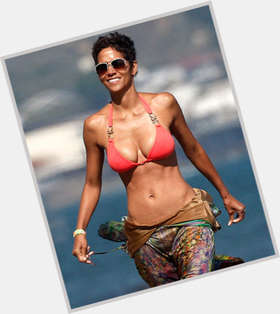 "<a href=""/hot-women/halle-berry/is-she-married-deaf-one-ear-black-pregnant"">Halle Berry</a> Voluptuous body,  black hair & hairstyles"
