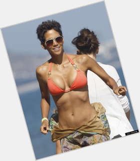 Halle Berry black hair & hairstyles Voluptuous body,