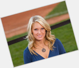Heidi Watney dyed blonde hair & hairstyles Athletic body,