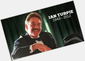 "<a href=""/hot-men/ian-turpie/is-he-alive-where-buried-funeral"">Ian Turpie</a> Average body,  dark brown hair & hairstyles"