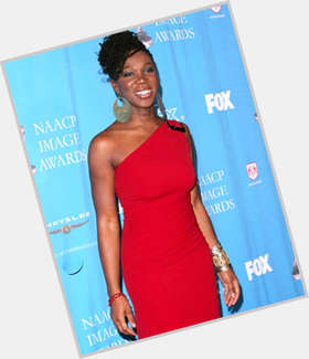 "<a href=""/hot-women/india-arie/is-she-married-christian-vegetarian-african-relationship-bleaching"">India Arie</a> Average body,  dark brown hair & hairstyles"